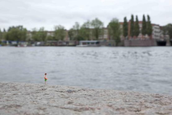 Slinkachu:Flotsam