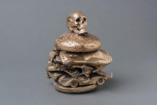 Alexander de Cadenet:Skull Burger