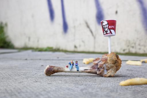Slinkachu:Bones